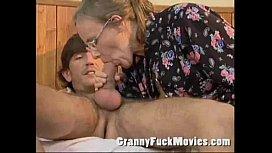 Porno fat lesbiennes en collants se moque