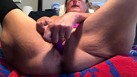 Horny Milf Spreads Her Wet Cunt Wide Masturbates To Creamy Female Orgasm