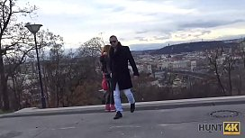 HUNT4K. Scopo una ragazza dai capelli rossi davanti al fidanzato