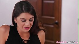 Gorgeous lesbo sixtynined after foot massage