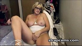 Amateur Hot Mature Masturbates