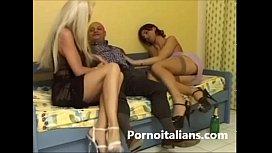 Triangle sexual Shemale with Italian -Triangolo sessuale con transex italiana -
