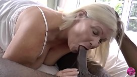 Porn video big ass mature in stockings