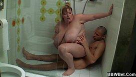 Porno en ligne homme caresse une femme