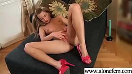 Amteur Sexy Girl Having Sex Toys Pleasure On Cam vid-18