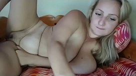Thick milf playing pussy live cam show