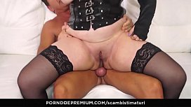 SCAMBISTI MATURI - Chubby mature ass and pussy drilled