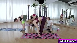 Horny teens utilized their flexibility to stretch their pussies!
