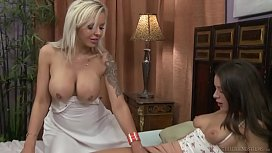 Must see this lesbian sex! Nina Elle seducing Lana Rhoades