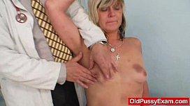 Amateur housewife Nada visits her gyno medic