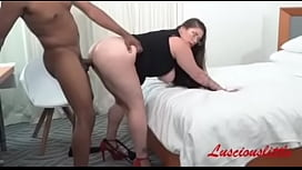 Luscious distracts Don Prince from his work for a hard fuck instead