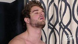 Solo male hunk Lawrence - Sean Cody