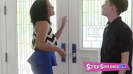 Jenna Foxx is getting herself all dolled up for a blind date when her stepsis, Loni Legend, comes around asking all types of questions. - FULL SCENE on http://www.StepSiblings3x.com