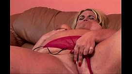 Mature BBW loves BBC   www.beeg18.com
