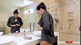 Son Won't Let Mom Feel Lonely On Her Birthday- Sheena Ryder
