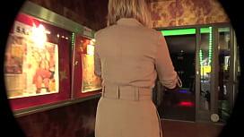 Un cinéma Porno pour Angel-Exhib