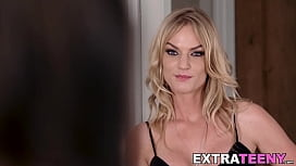 Teen Jade Amber inserts dildo and eating dyke pussy