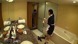 淫美熟女 ホテル客室係 2