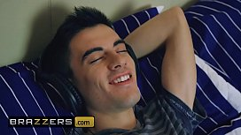 Teens like it BIG - (Stella Cox, Jordi El, Ni&ntilde_o Polla) - The Scoundrel Ruins A Sleepover - Brazzers