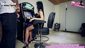 Geile deutsche schlampe fickt im Casino f&uuml_r geld
