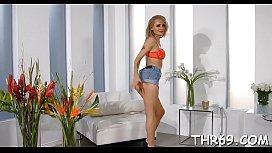 Porno de femmes maigres avec des gros culs