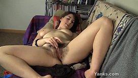 Yanks Amber B.'_s Great Orgasm
