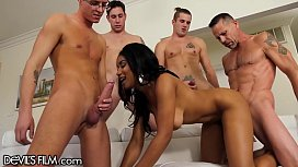 Jenna Foxx Gangbang with 4 Big Cocks That Blow All Over Her!!