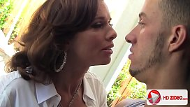 Eating Out And Fingering In Hd With Chris Strokes_