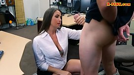Big ass woman drilled at the pawnshop