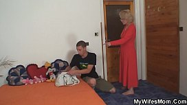 She finds her old mom riding husband'_s cock