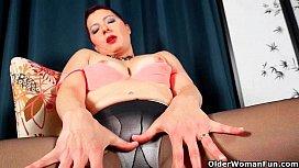 Mom'_s sexual appetite peaks when she wears pantyhose