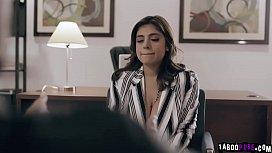 Horny psychiatrist Alex Jones takes advantage and manipulates his latina patient Ella Knox to overcome her phobia of having sex.