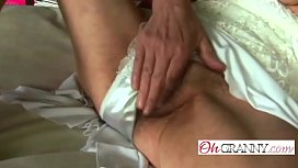 Slender granny rubbing her pussy before riding a rodon-hi-1