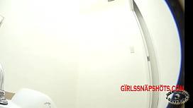 nh&acirc_n vi&ecirc_n VIETCOMBANK thủ d&acirc_m trong giờ l&agrave_m - GIRLSSNAPSHOTS.COM