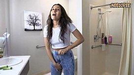Sexy desperate girls need to pee 2017 5