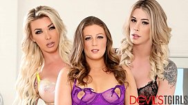 Aubrey Kate get pounded in group sex with Febby Twigg and Casey Kisses