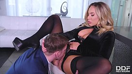 Squirting hot Milf Olivia Austin makes you cum instantly