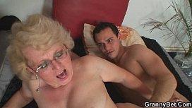 Grosse bite baise maigre femme porno