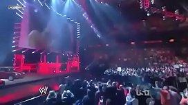 Eve Torres vs Maryse. Divas Championship match.