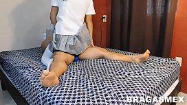 alumna cachonda montando en la verga de su profesor