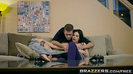 Brazzers - Teens Like It Big -  Sharing the Siblings Part 2 scene starring Violet Starr and Xander C