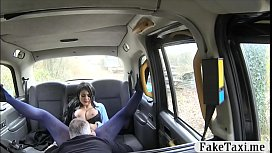 Tattooed woman gets smashed in the taxi
