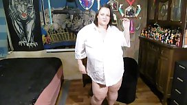 bbw strip and playing with vibrator