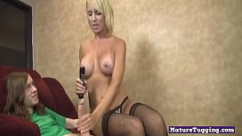 Stroking bigtits mature gets her clit rubbed