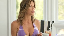 Mom and Daughter can squirt like hydrants - Alexis Fawx and Tiffany Watson - Mommy'_s Girl