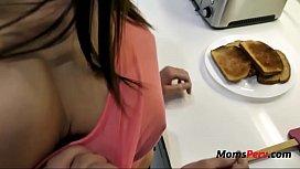 Brunette MILF MOM &amp_ Breakfast-Eva Long