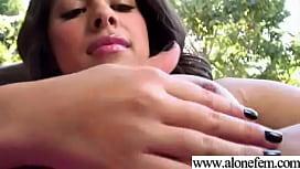 Julia red porno avec des filles lesbiennes engages