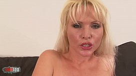 Fucking the hairy pussy of a milf