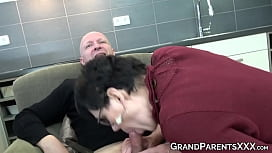 Teenage babe learns how to suck dick from granny