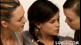 Russe mamans lesbiennes gros plan porno